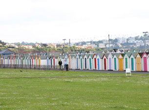 """Die Nachbarorte Paignton, Brixham und Torquay werden häufig als """"Torbay"""" zusammengefasst und als """"englische Riviera"""" bezeichnet."""