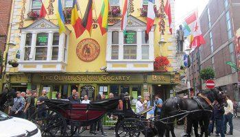 Dublin ist nicht nur die Hauptstadt der Irischen Republik, sondern auch die größte Agglomeration des Landes: Ungefähr ein Drittel der Iren wohnt in oder um Dublin